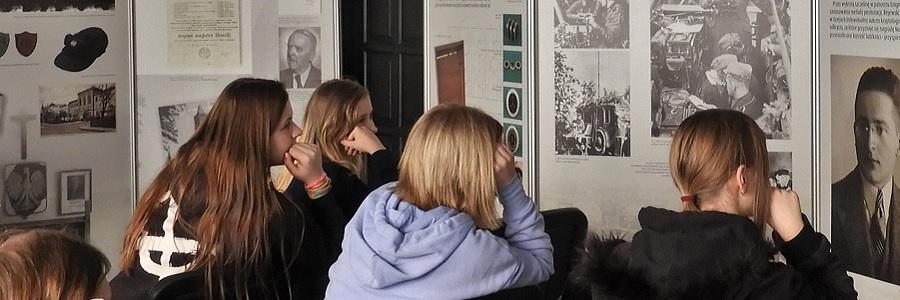 Zajęcia edukacyjne oMarianie Rejewskim