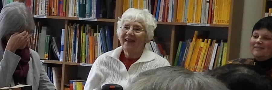 Głośne czytanie dla seniorów