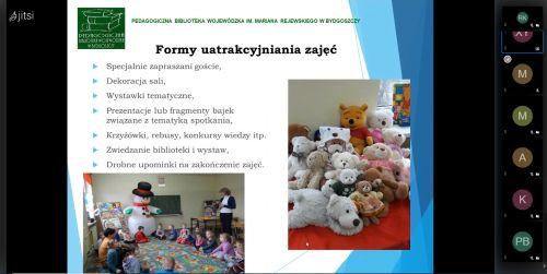 Slajd prezentacji z seminarium online przedstawiający formy uatrakcyjniania zajęć. Na zdjęciu kilkanaście pluszowych misiów. Na drugim dzieci w kręgu w czasie zajęć i dużą zabawką - bałwanem.