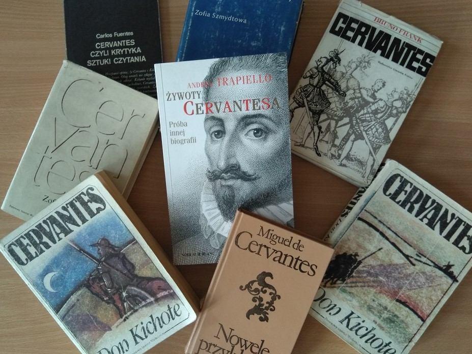 Okładki książek o Cervantesie oraz jego autorstwa.